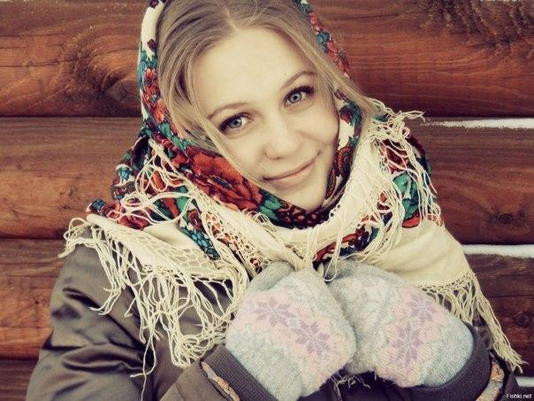 goliy-svyazanniy-vverh-zhenshini-foto