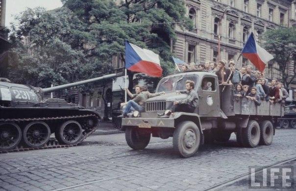 Как немцы в 1968 году в Чехословакии порядок наводили
