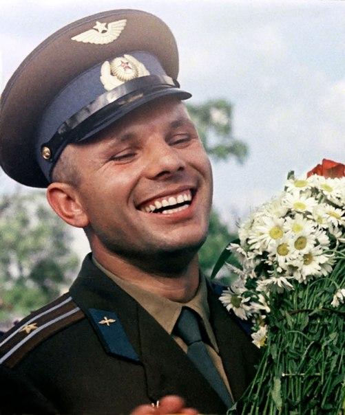 Нередко иностранцы спрашивают, почему русские мало улыбаются  нередко