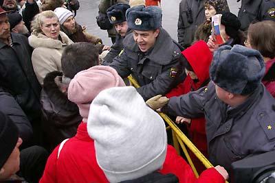 """3 марта 2007 года в Санкт-Петербурге состоялся """"Марш несогласных"""", организованный участниками форума оппозиции """"Другая Россия"""""""